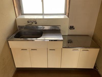 キッチンはガスコンロ設置可能です。