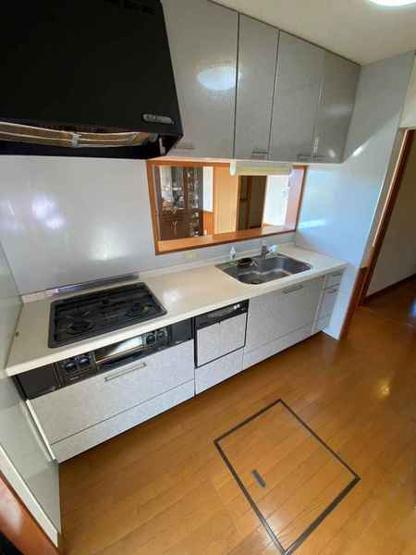 「キッチン写真」使い勝手の良いシステムキッチンです。