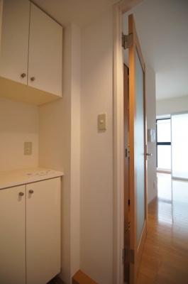 ゆったりとした玄関です ※同タイプ別部屋の写真です