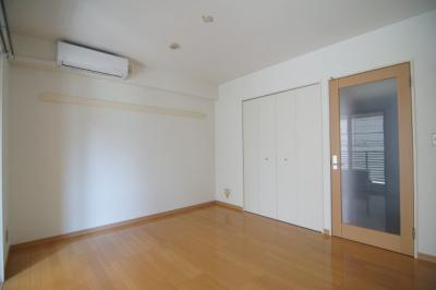 広々とした洋室です ※同タイプ別部屋の写真です