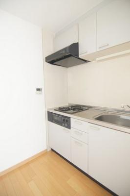 キッチンでお料理をお楽しみください ※同タイプ別部屋の写真です