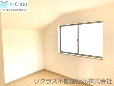 明るい洋室です‼