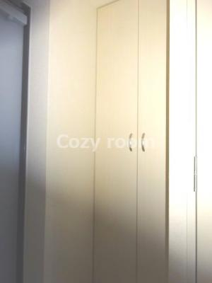玄関収納のためのスペース、シューズボックスです。