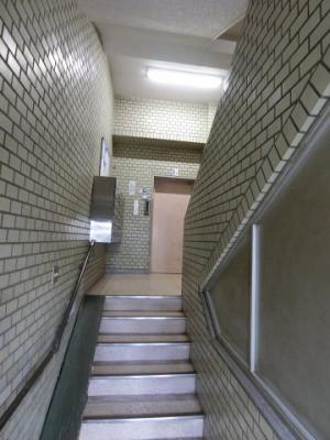 【エントランス】中野本町団地西京城西ビル