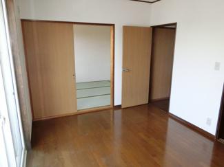 洋室と和室は続き間になっています。