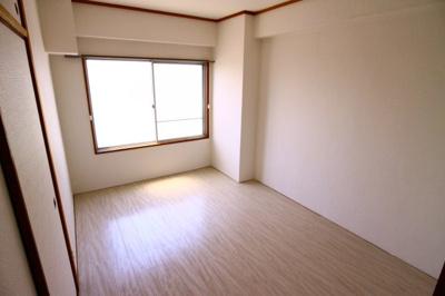【寝室】歌敷山グリーンハイツ