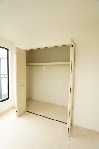 2階7.5帖 使い勝手のよいシンプルなクローゼットです。