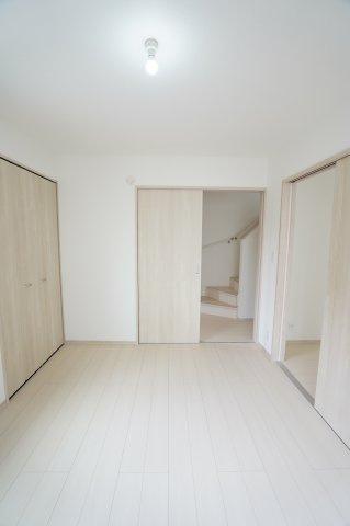 1階6帖 玄関から直接出入りできるので客間として利用できます。