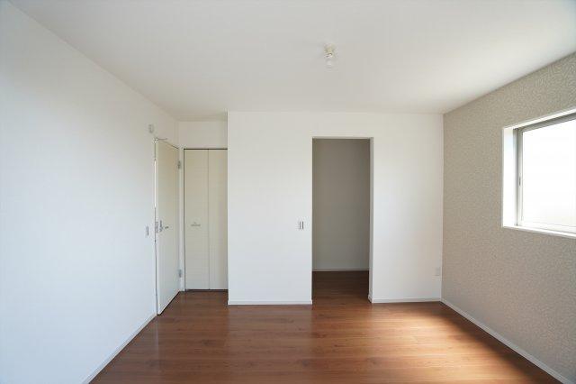 WICがありお部屋がすっきり片付きます。