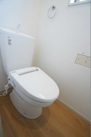 いつでも暖かくて快適な2階のトイレです。