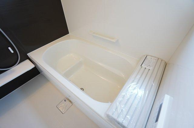 ベンチタイプの浴槽で半身浴に便利!