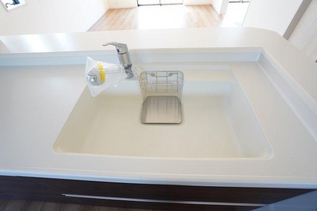フライパンやお鍋が洗いやすい広々キッチン!