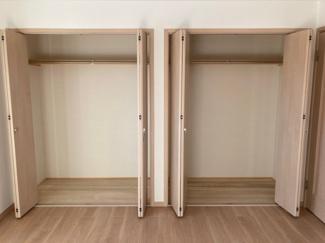 主寝室には2ヵ所のクローゼット