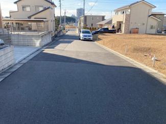 区画整理地内の6m公道です。