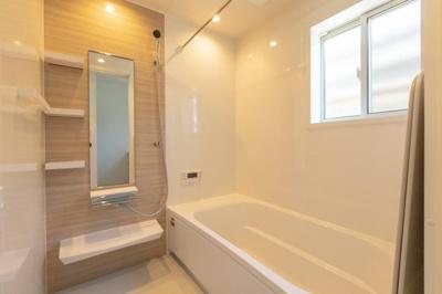 浴室乾燥暖房機付きの1坪タイプ。