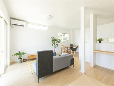 【居間・リビング】【エスティケイ】昭和町河西建売住宅
