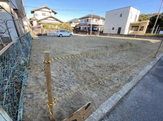 千葉市美浜区真砂 土地 検見川浜駅 両面道路に面した開放感のあるお土地です。