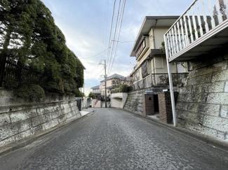【前面道路含む現地写真】横浜市港北区高田東2丁目 建築条件なし土地