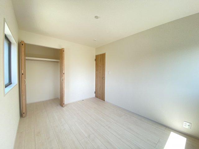 全居室収納付きなので、大きな収納家具を買い足さずに済みそうですね♪