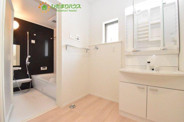 【洗面所】見沼区中川 第19 新築一戸建て クレイドルガーデン 02