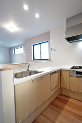 【キッチン】青木町公園すぐそばの新築戸建て 川口市西青木4期