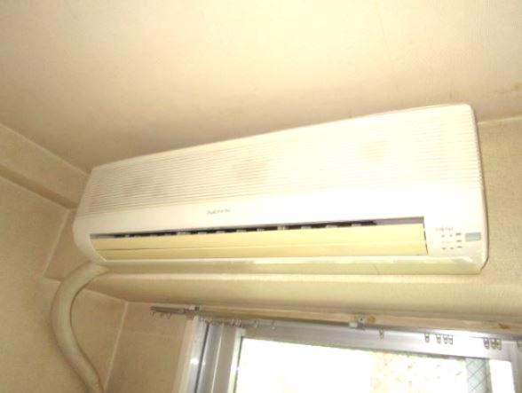 エアコン設置済み ※別室の写真です