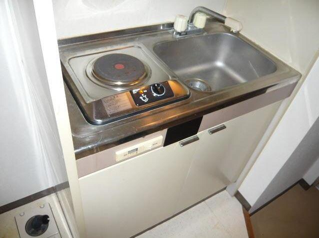 電気コンロのキッチンです。 ※別室の写真です