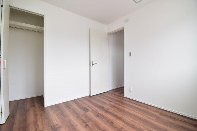約4.5帖の洋室。全居室収納完備です。