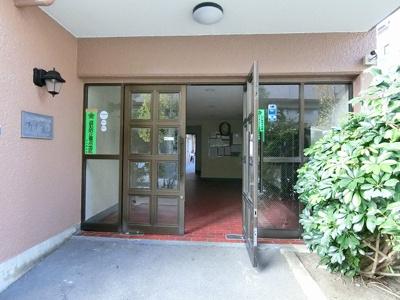 都営三田線「本蓮沼」駅から徒歩約7分、2駅利用可能な便利な立地。