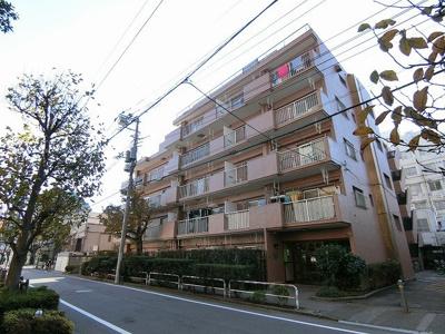 総戸数45戸、鉄筋コンクリート造6階建マンションです。