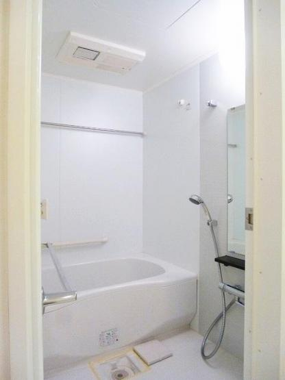 追焚、浴室換気乾燥機付きです