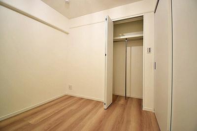 フローリングのお部屋はお掃除もスムーズ。