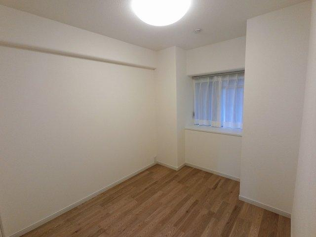 4.4帖の洋室です。 子供部屋やワークスペースとしても活用できます。