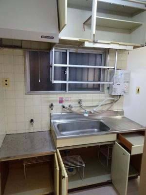 コーポ加藤 ガスコンロ設置化のワイドキッチン