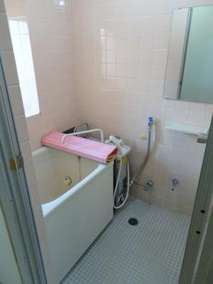 コーポ加藤 やっぱり嬉しいバストイレ別 お風呂はバランス釜ですが、追い炊きができます