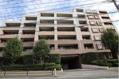 東武東上線「東武練馬」駅徒歩約8分と便利な立地のマンションです。