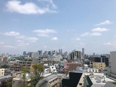 新宿副都心を一望できる魅力的な立地です。