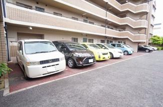 【平面駐車場、駐車料金:13000円/月】