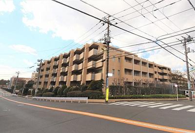 田園都市線「二子玉川」駅から徒歩約8分です。