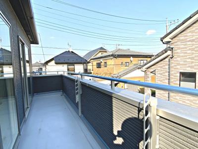 【バルコニー】狭山市富士見2丁目・全2棟 新築一戸建 B号棟 〜収納充実〜