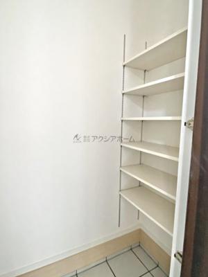 【玄関】狭山市富士見2丁目・全2棟 新築一戸建 B号棟 〜収納充実〜