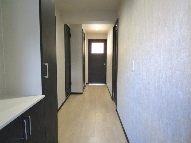 玄関ホール廊下