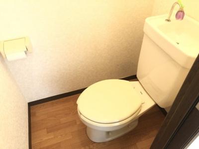 【トイレ】ファミーユヴィラ