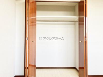 洋室6.1帖収納
