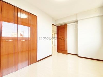 主寝室6.1帖洋室です。