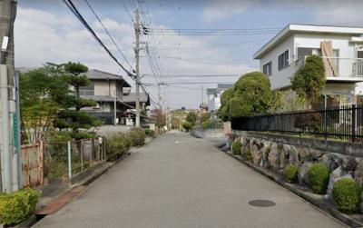 泉北高速鉄道『泉ヶ丘』駅まで徒歩18分♪コンビニがすぐ近くにあります♪閑静な住宅地♪