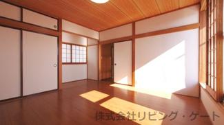 2階八畳洋室