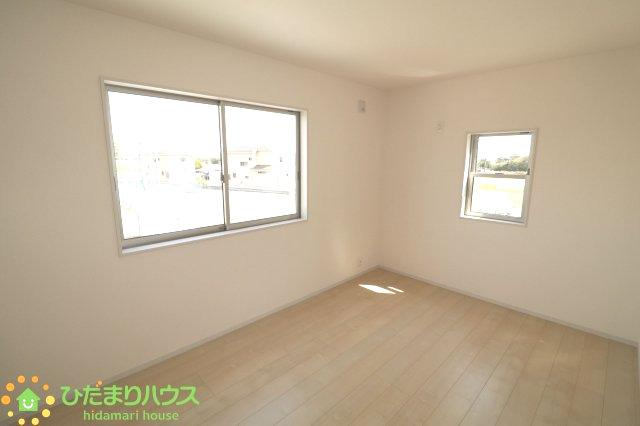 パパの書斎や、ママの趣味の部屋・・・ 一戸建てなら部屋数が多く、多目的に利用できますね。