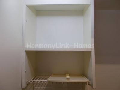 COLONNA MILIAREのキッチン上部収納