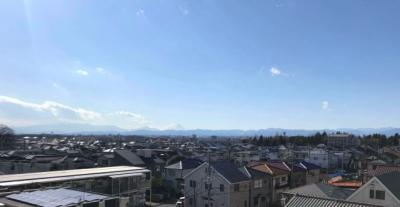 快晴時には富士山を望みます。夏には花火大会も♪